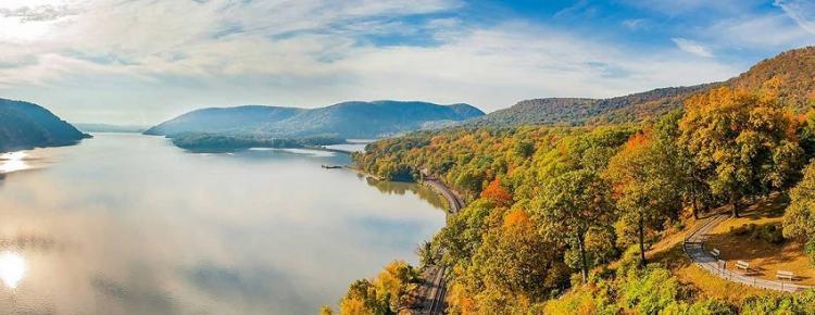 Hudson River Autumn